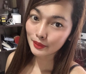 35 year old good-looking Chinese mother