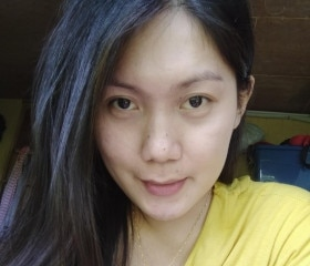 Hot, busty mature Thai Woman